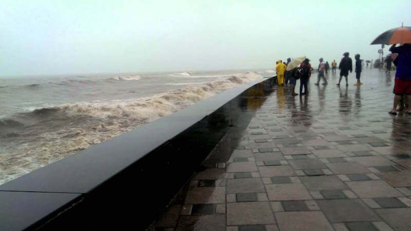 worli seaface - place to visit in mumbai