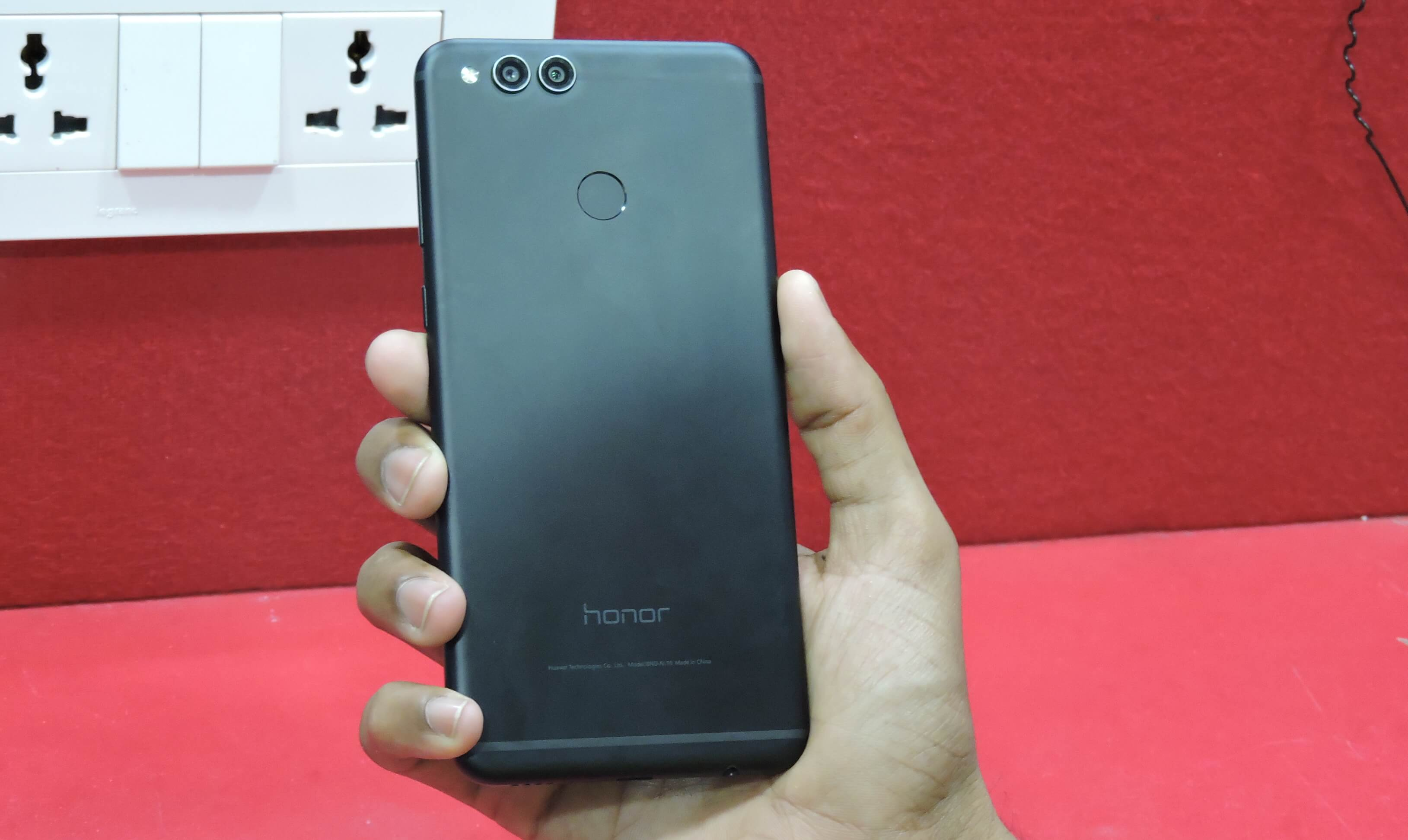 Honor 7x Review - The budget premium design phone - Tech Kalakaar